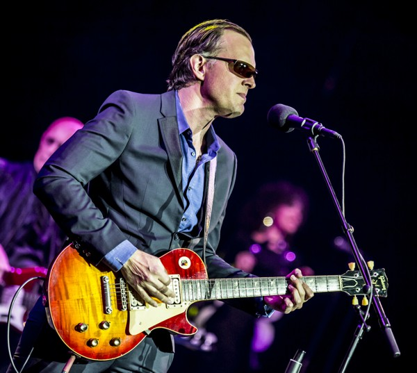 Joe Bonamassa by Robert Sutton Live 3