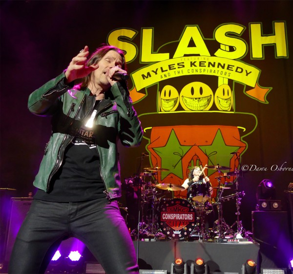 Slash featuring Myles Kennedy And The Conspirators Live 1