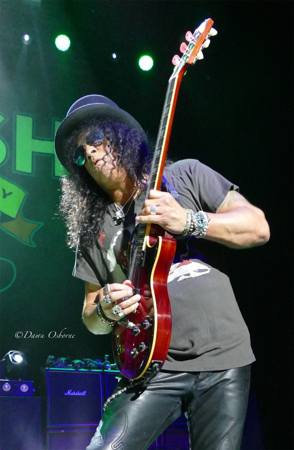 Slash featuring Myles Kennedy And The Conspirators Live 3