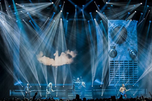 def leppard live 1