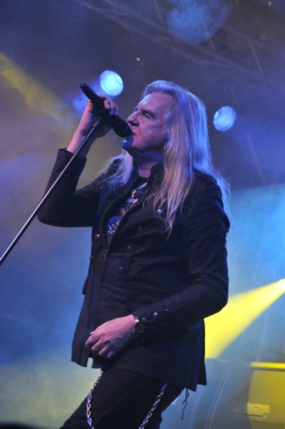 Hard-Rock-Hell-Saxon
