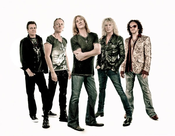 Def-Leppard-by-Ash-Newell